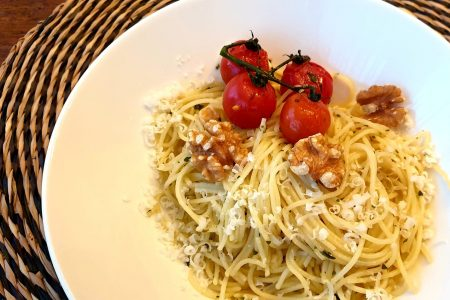 Pasta met olijfolie en knoflook